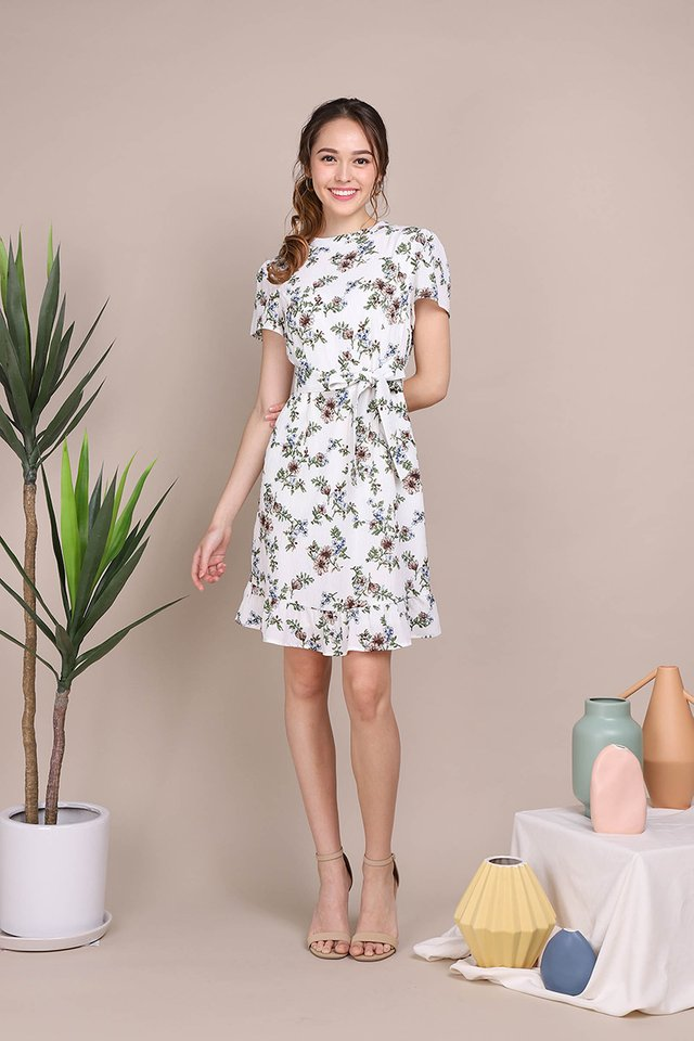 Vintage Blooms Dress In White Florals