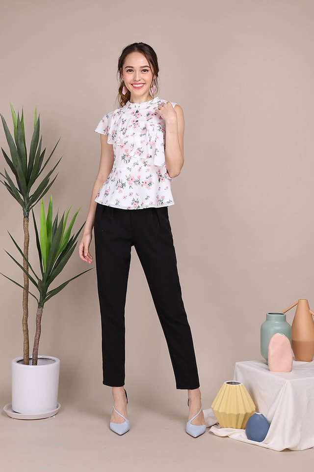 Blushing Roses Top In White Florals