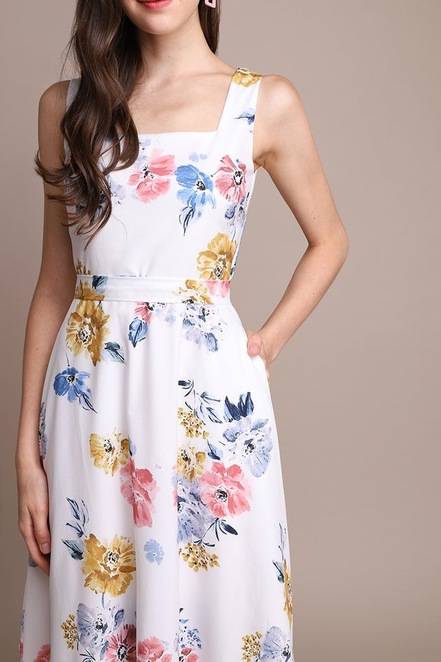 A Flower A Day Dress In White Florals
