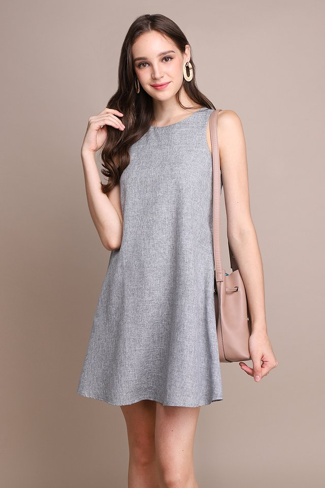 Chic Silhouette Dress In Heather Grey