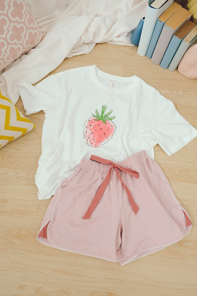 Strawberry Sundae Set In White Pink