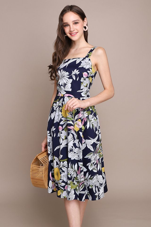 Blooming Connoisseur Dress In Blue Florals