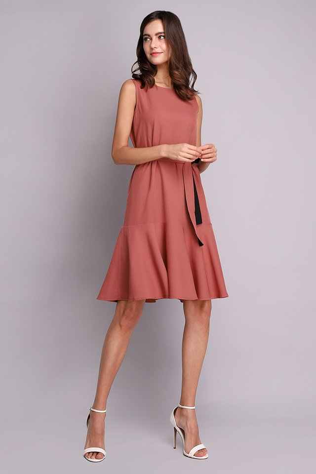 Say Hello Dress In Night Rose