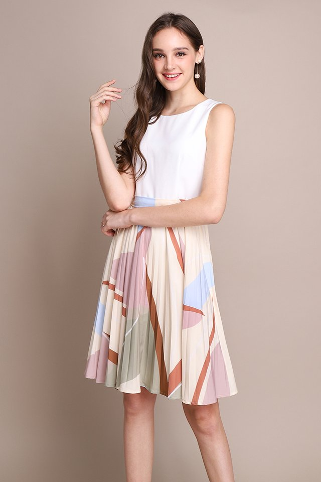 Arcade Puzzle Dress In Cream Prints