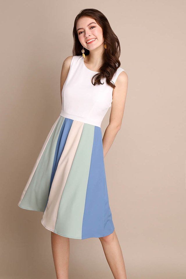 Ray Of Optimism Dress In Ocean White