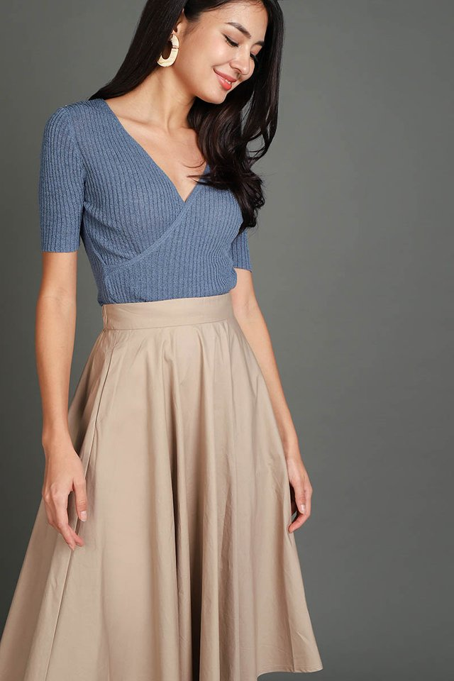 Phoebe Top In Muted Blue