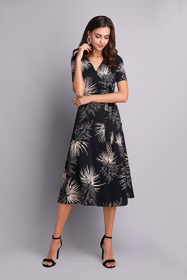 Rays Of Fabulous Dress In Black Prints