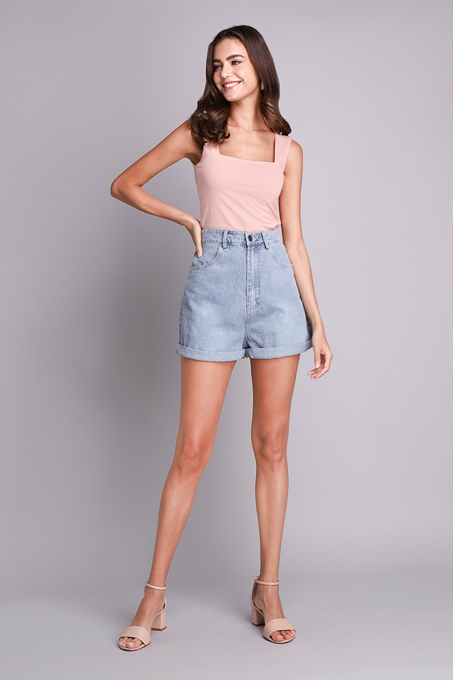 Oliver Shorts In Light Wash