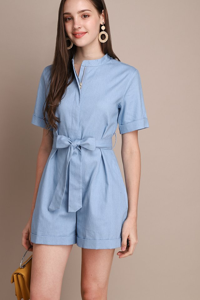 Malibu Nights Romper In Light Wash
