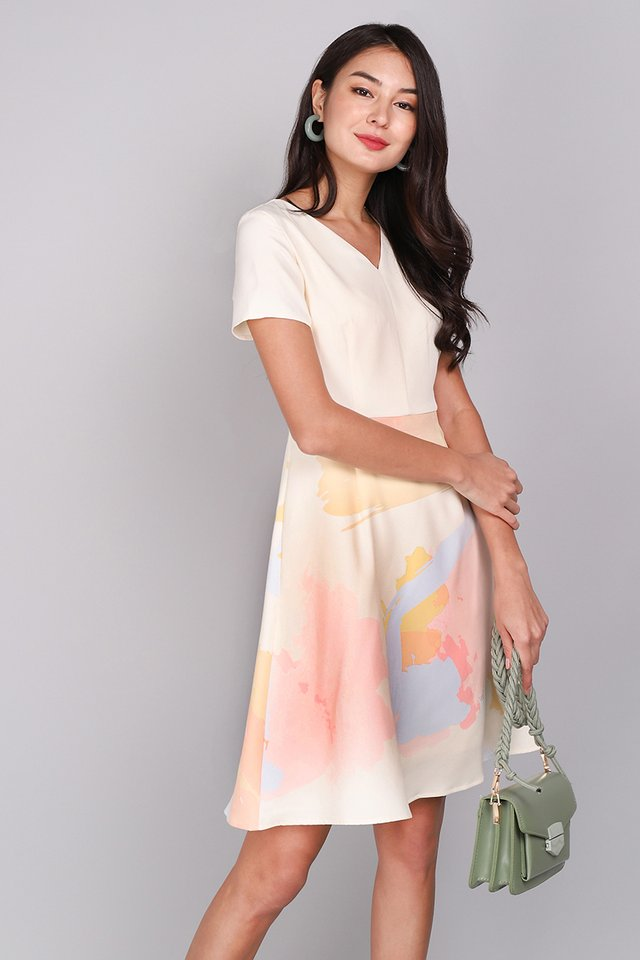Sunrise And Sunset Dress In Yellow Prints