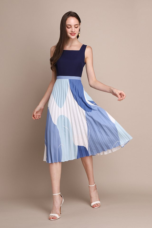 Blissful Moments Dress In Blue Prints