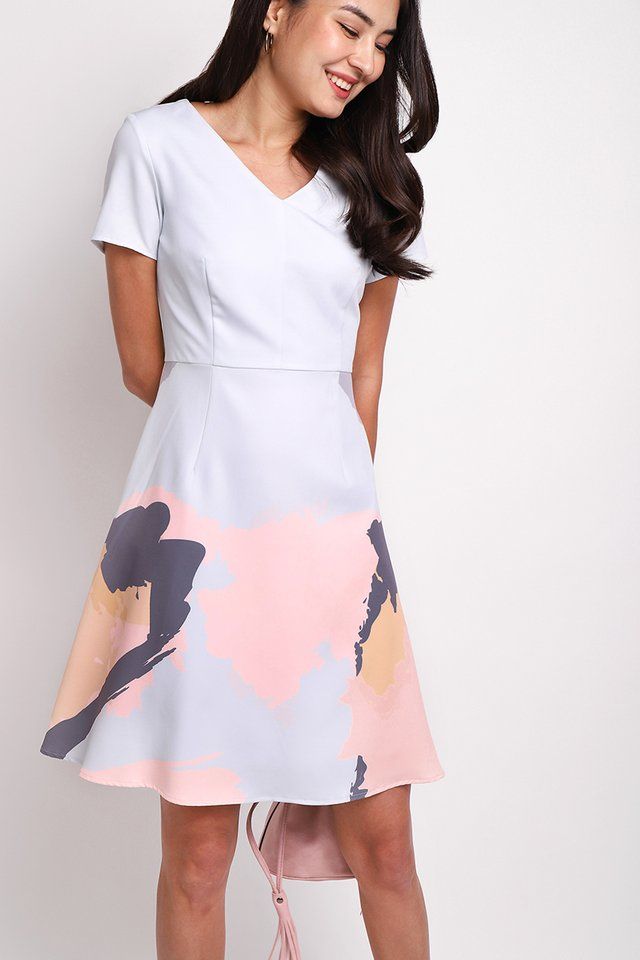 Sunrise And Sunset Dress In Sky Prints
