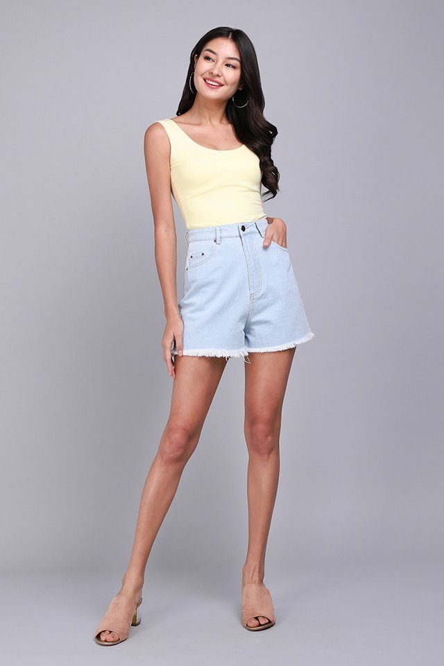 Jake Shorts In Light Wash