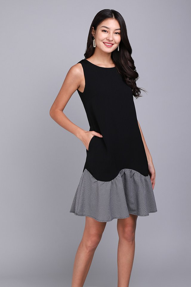 Twilight Chic Dress In Classic Black