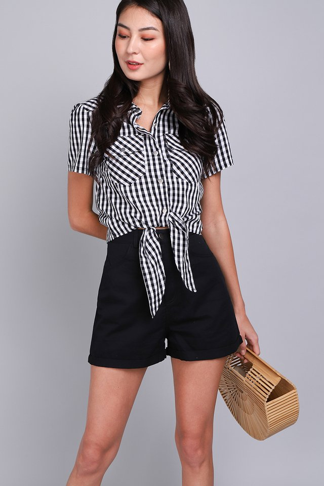 Off For A Picnic Top In Black Checks