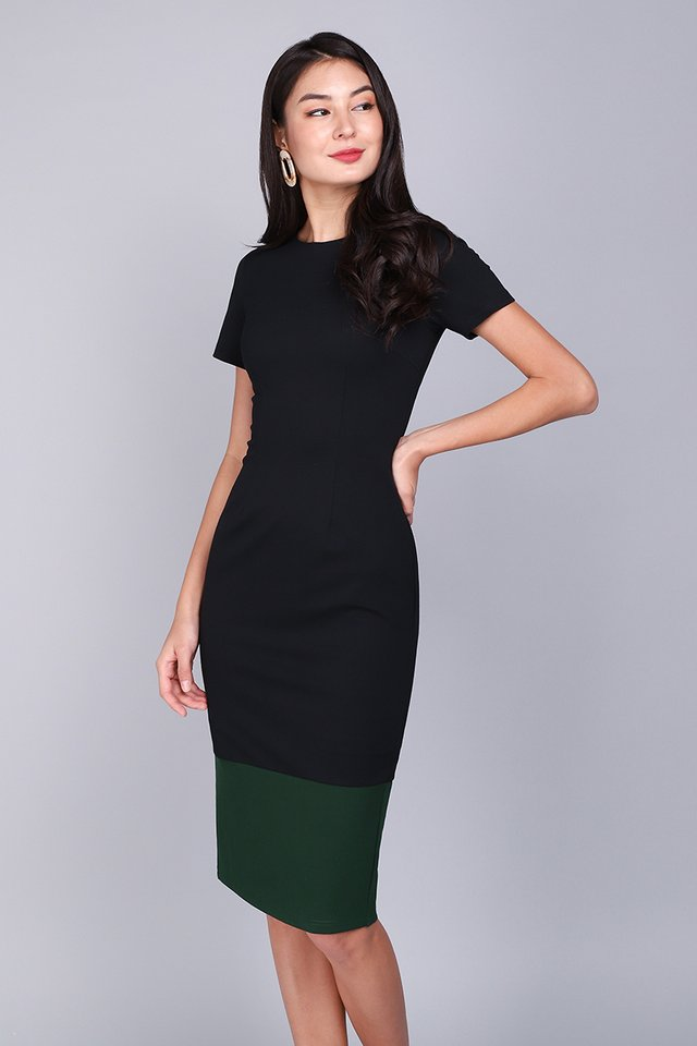 Universally Flattering Dress In Black Forest