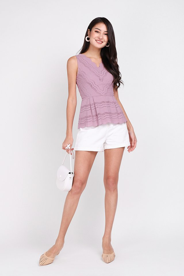 Dainty Reverie Top In Dusty Lilac