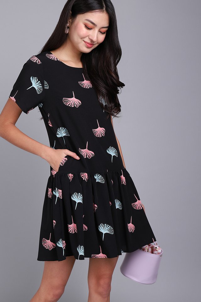 Dandelions In Fall Dress In Black Prints