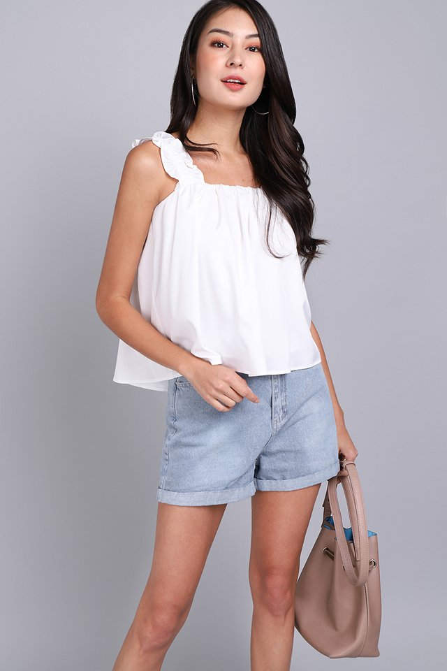 Weekend Antidote Top In Classic White