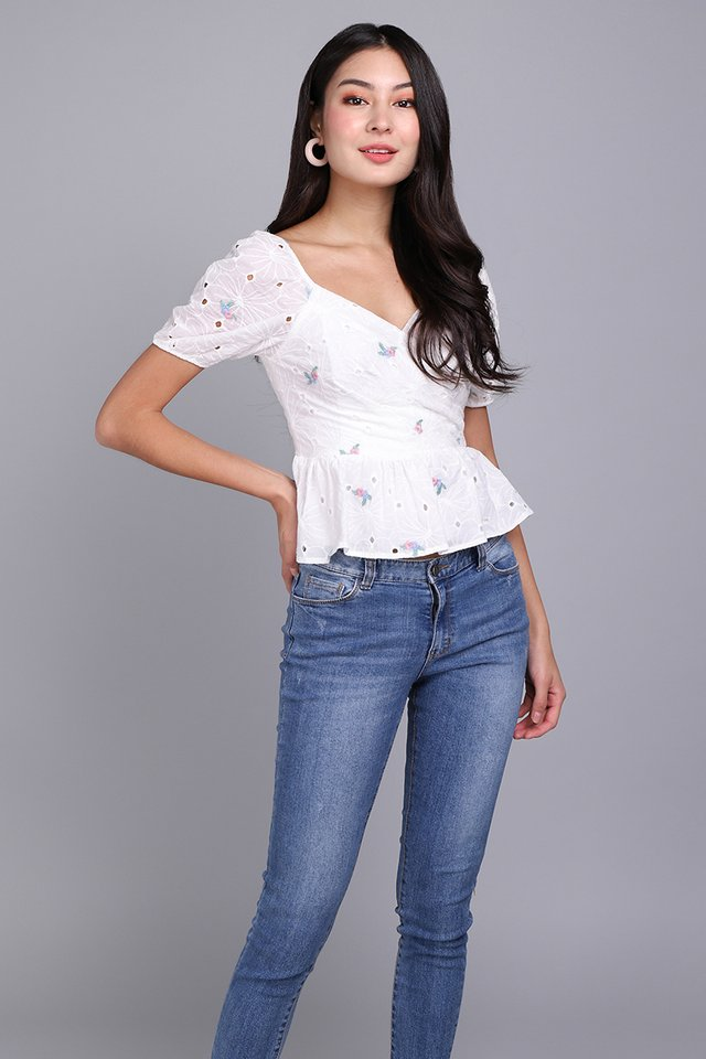 Sweet Little Things Top In White Florals
