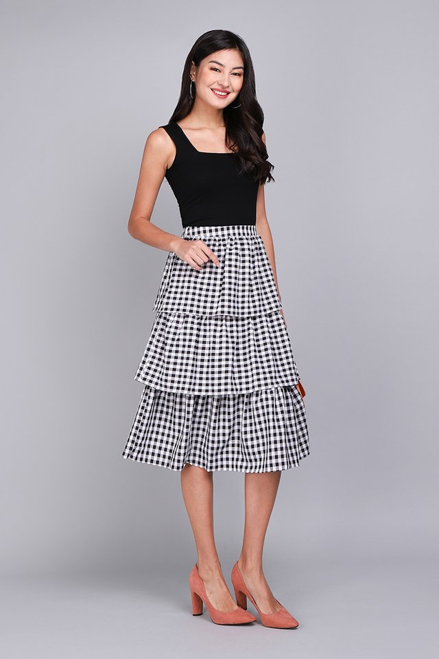 Holiday Cheer Skirt In Black Checks