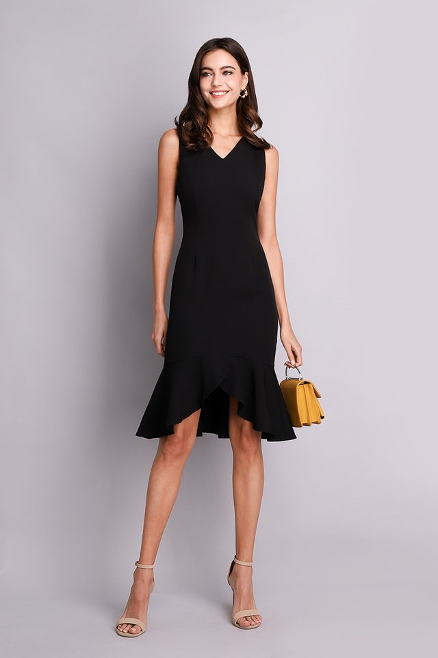 Chic Bureau Dress in Classic Black