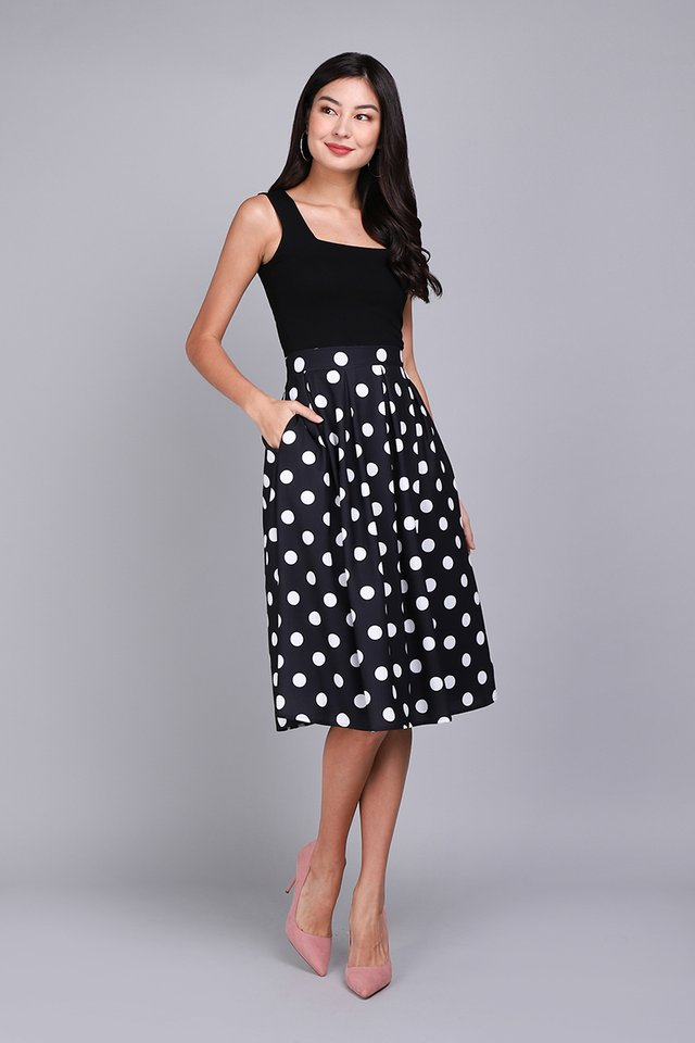 Paris Swing Skirt In Black Dots
