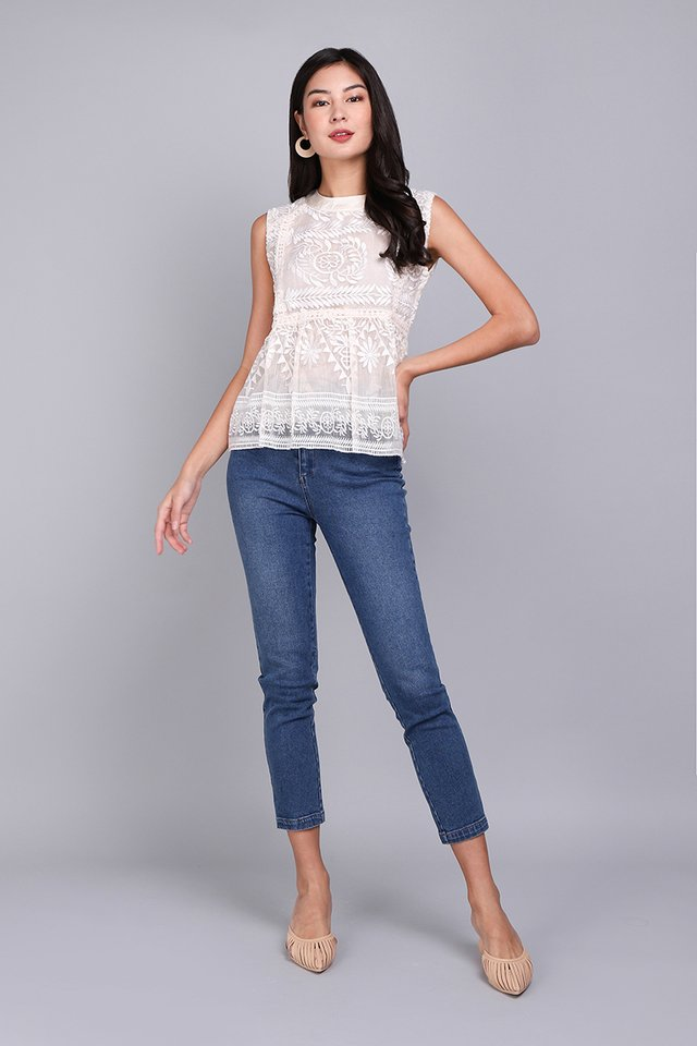 Glided Moments Top In Ivory