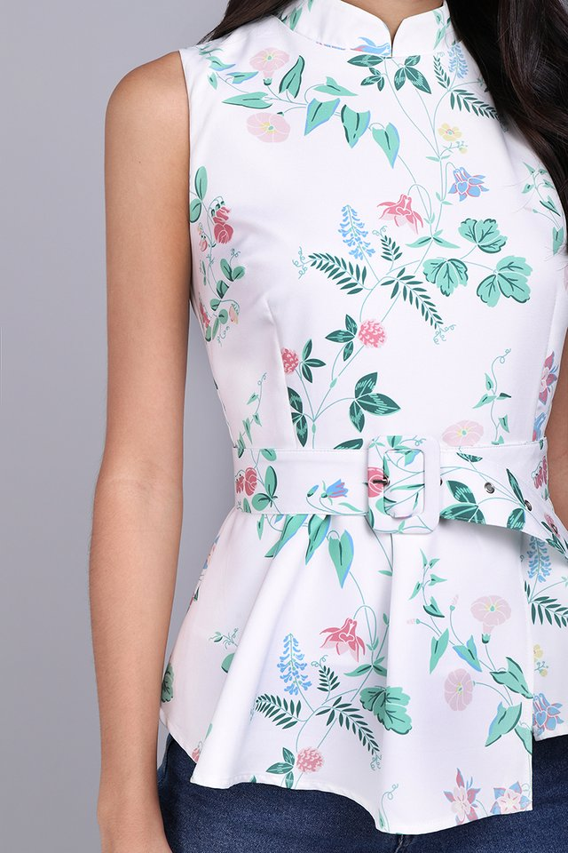 Wisteria Moments Cheongsam Top In White Florals