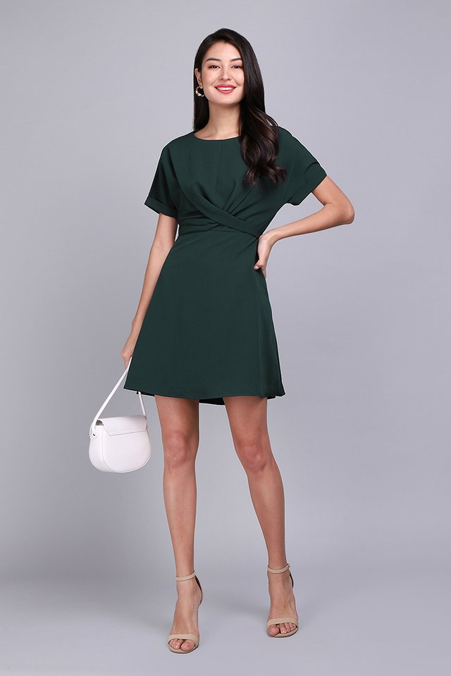 Twist Of Charm Dress In Forest Green