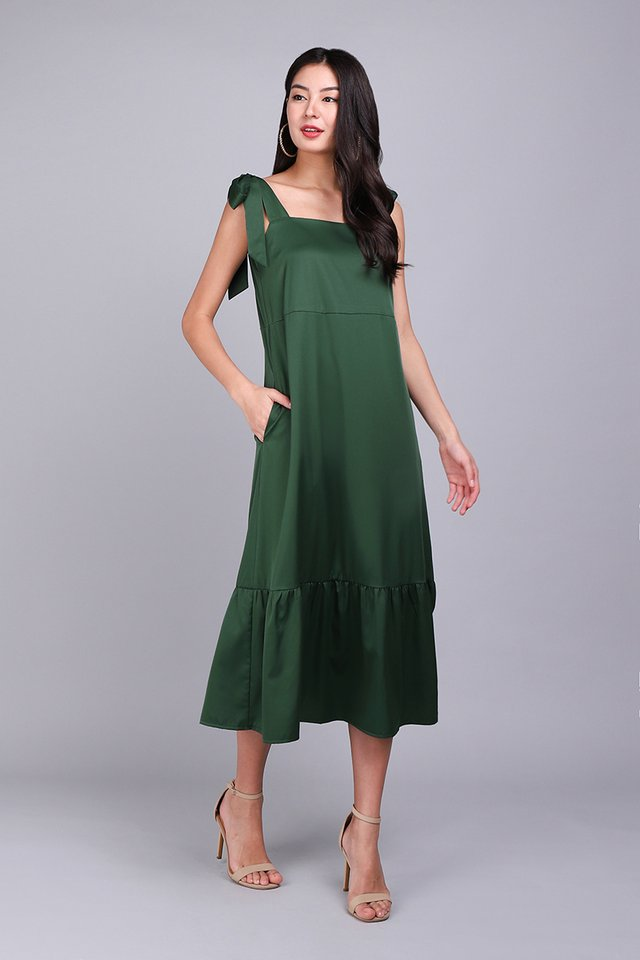 Lush Greenery Dress In Forest Green