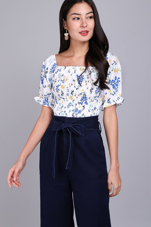 Enchanted Floristry Top In Blue Florals